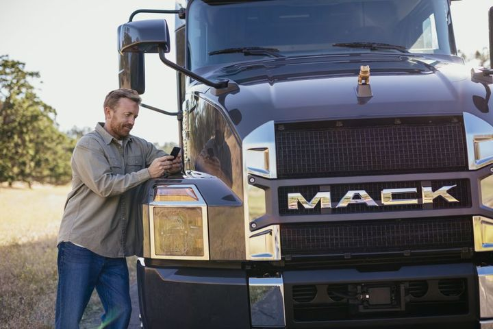 The new integrated platform is expected to provide an easier, more competitive, and quicker insurance experience for Mack and Volvo customers. - Photo: Mack Trucks