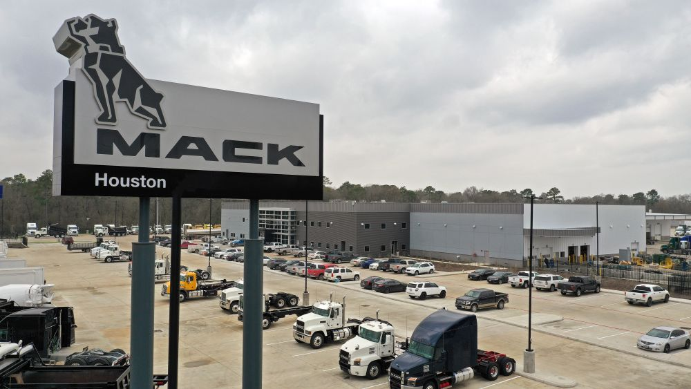 Vanguard Opens Mack & Volvo Dealership in Houston