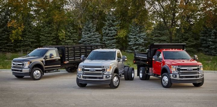 F-600 Super Duty chassis cab delivers Class 6 capability in a truck no bigger than a Class 5. - Photo: Ford