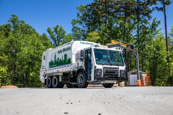 The OEM's first fully electric refuse vehicle is eligible for multiple incentive packages in the U.S. and Canada. - Photo: Mack
