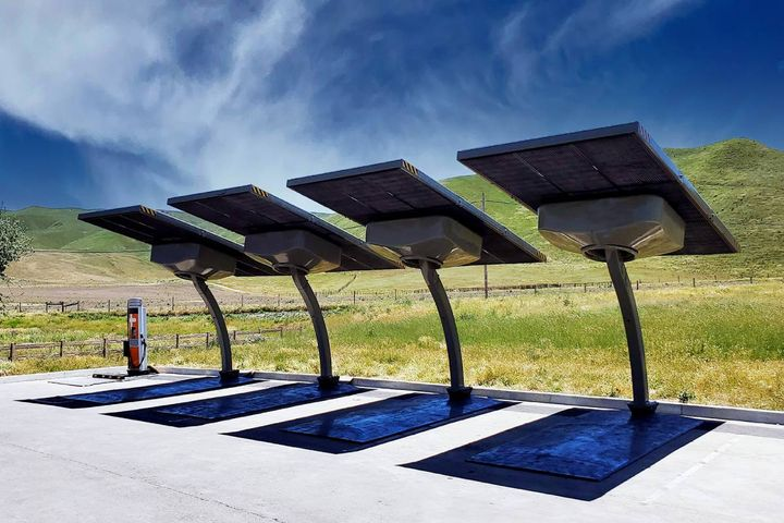 The company announced a sixth utility has purchased an EV ARC 2020 system to provide sustainable off-grid EV charging for a pilot program aimed at assessing solutions for current and future needs. - Photo: Beam Global