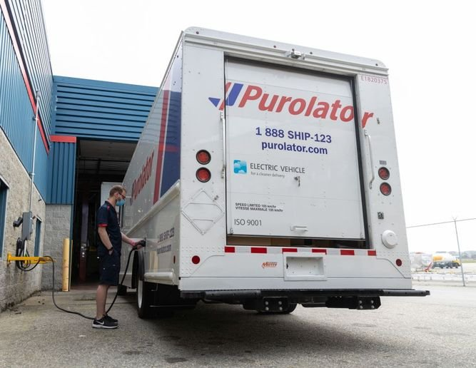 Purolator's new electric delivery vehicles are built on Ford's F-59 platform and electrified by Motiv Power Systems. - Photo: Purolator