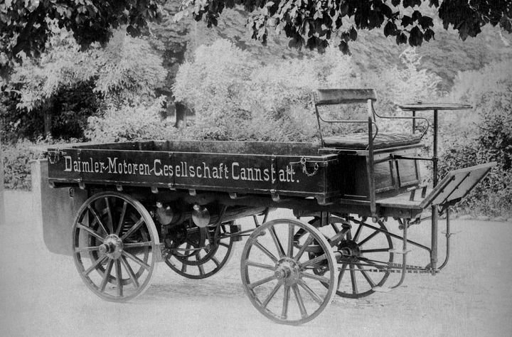 The first truck in the world was designed by Gottlieb Daimler in 1896. - Photo: Daimler Trucks