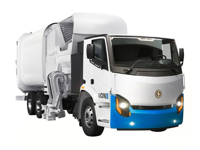 The Lion8 Refuse truck is one of the electric heavy-duty vehicles produced by Lion Electric. - Photo: Lion Electric