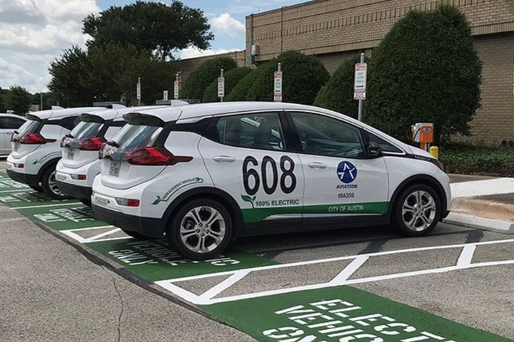 Switching to green vehicles expected to save the city millions of dollars over the next decade. - Photo: City of Austin
