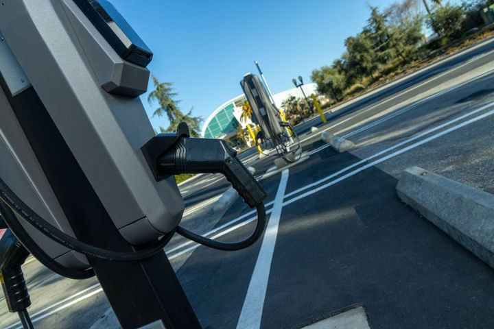 Fairplex in Pomona installed 200 charging ports, the largest project of the Charge Ready pilot phase. Many chargers are available for public use. - Photo: Southern California Edison