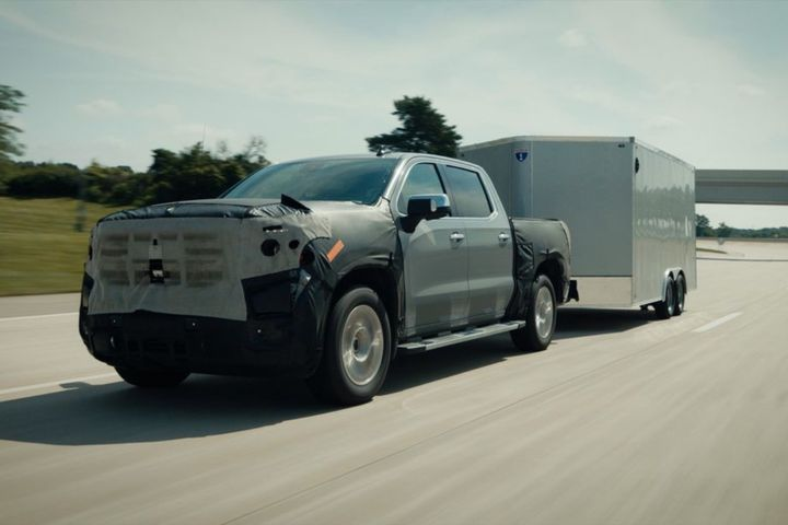 General Motors will introduce new Super Cruise capabilities on six model year 2022 vehicles in the first quarter of 2022, including the Chevrolet Silverado. - Photo: General Motors
