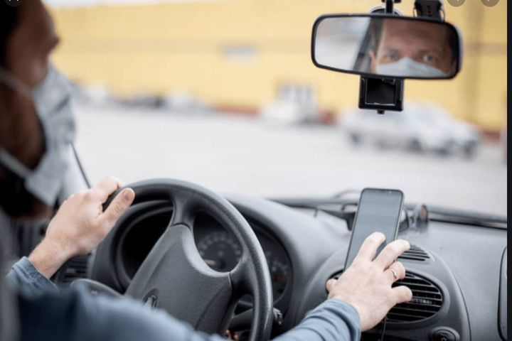 LifeSaver Mobile reduces employee phone and mobile device distraction and speeding while driving. - Photo: LifeSaver Mobile