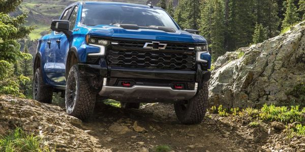 The new 2022 Chevrolet Silverado includesa fully redesigned interior for LT, RST, LT Trail...