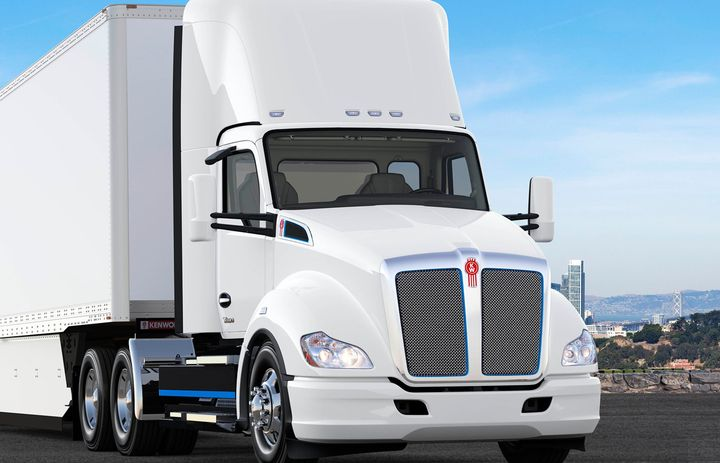 The Baie-D'Urfe, Quebec-based fleet will use the Kenworth T680E model in drayage operations to transfer goods from the Port of Montreal to area warehouses. - Photo: Kenworth