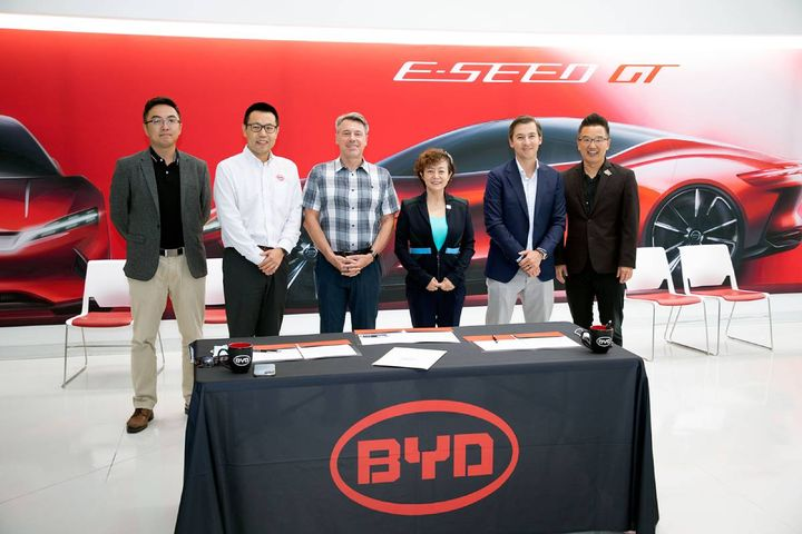 The collaboration plans to leverage Nuvve's technology and Stonepeak's and Evolve's capital through Levo to offer fully financed, V2G-enabled BYD medium- and heavy-duty electric fleet vehicles. - Photo: BYD