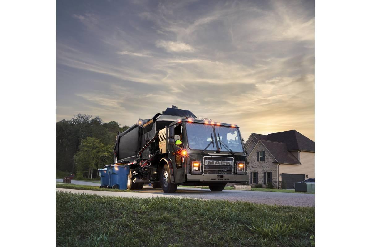 Mack Ultra Service Agreement Now Standard on LR Electric Models