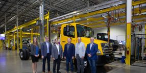 Hino Delivers First Cummins-Powered Truck to Penske