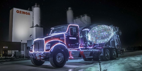 The Merry Mixer is a 2019 Kenworth T800 McNeilus Bridgemaster ready mix truck. This truck runs...