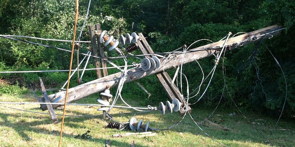 Conn. Storm Causes Leaves 1,800 Broken Electric Poles