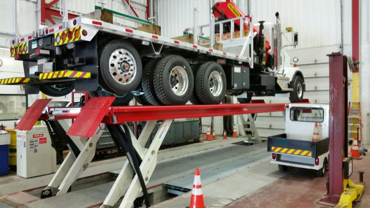 Over the past two decades, one vehicle lift dealer hae seen utility vehicles become highly specialized and heavier. For many of these fleets, larger vehicles lead to a growing need for heavy-duty vehicle lifts.