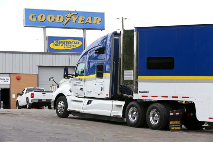 Convoy's technology platform connects shippers with independent carriers, small fleets, and owner/operators, who will now have access to Goodyear's full commercial truck tire portfolio. - Photo: Goodyear