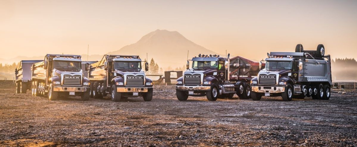 Silver Streak Trucking Keeps Running with Mack - Operations - Work