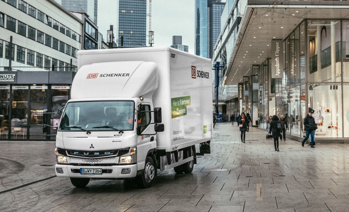 In addition to Paris, Berlin and Frankfurt, the fully electric light-duty trucks with an output of 129 kilowatts and a payload of up to four tons are also on the road in other European cities such as London, Amsterdam, and Lisbon.