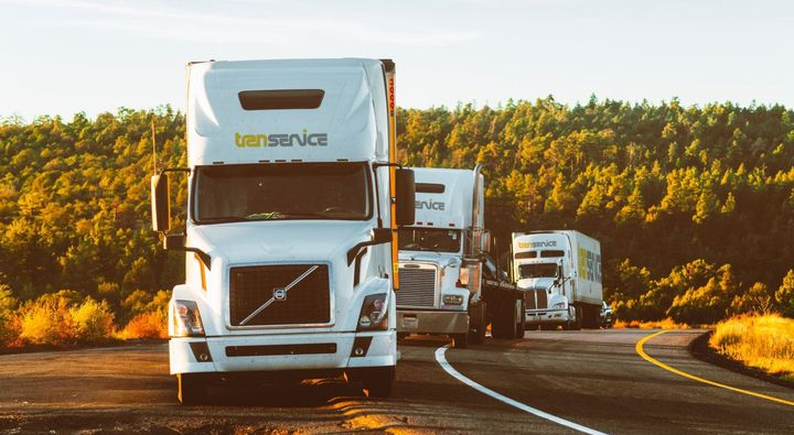 The drive collected 2,085 pounds of food for Move for Hunger, a non-profit organization that works with relocation companies to collect non-perishable food items, and deliver them to food banks all across North America.