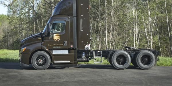 Four hundred semi-tractors will be supplied by Freightliner (like the truck pictured) and...