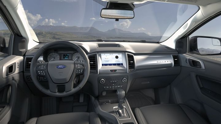 Ranger STX Special Edition features an 8-inch center touch screen, SYNC 3 with Apple CarPlay and Android Auto, SiriusXM, and AppLink. - Photo: Ford