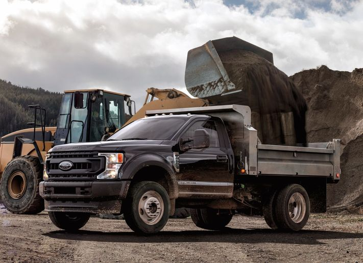 F-series Super Duty Chassis Cab models include best-in-class maximum payload of 12,750 pounds. - Photo: Ford Motor Co.