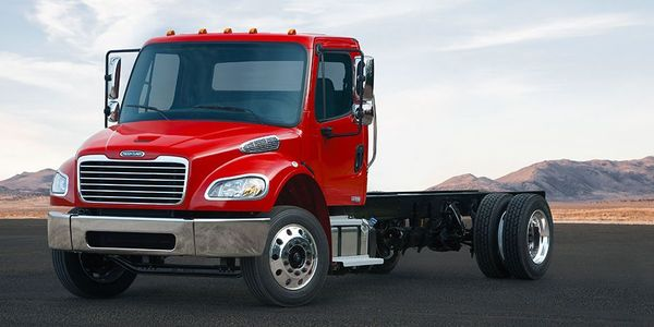 Available as a truck or tractor, the M2 106 supports a wide range of bodies and chassis-mounted...