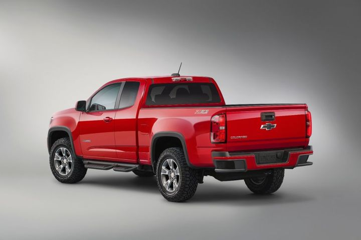 The 2015-MY Chevrolet Colorado is among the vehicles recalled for potential power steering issues. - Photo: General Motors