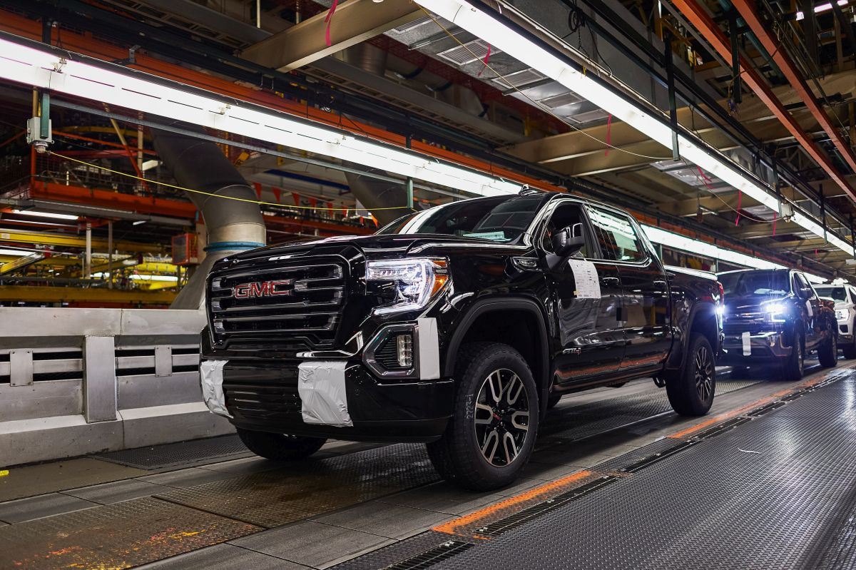 GM to Invest $24M to Expand Full-Size Truck Plant