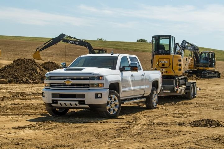 The 2018-MY Chevrolet Silverado 2500 with a Duramax diesel 6.6 liter engine and an optional engine-block heater cord is among the pickup trucks being recalled. - Photo: General Motors