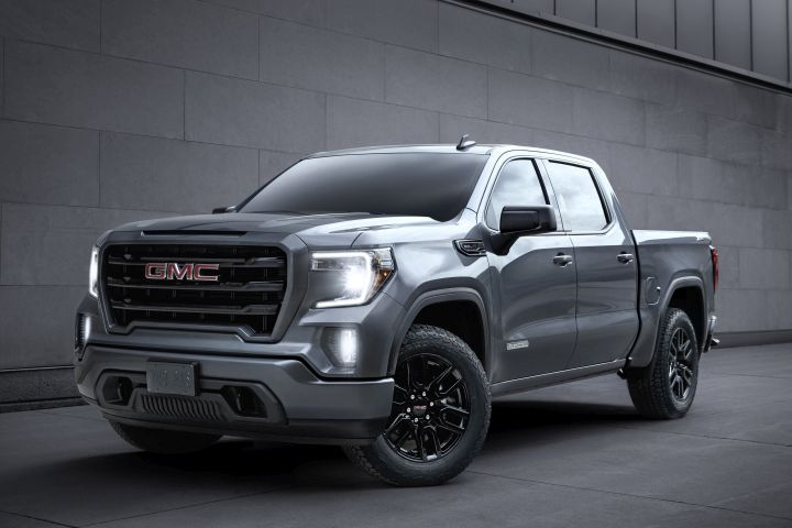 For 2020, the GMC Sierra 1500 will offer a carbon-fiber bed, and other features.
