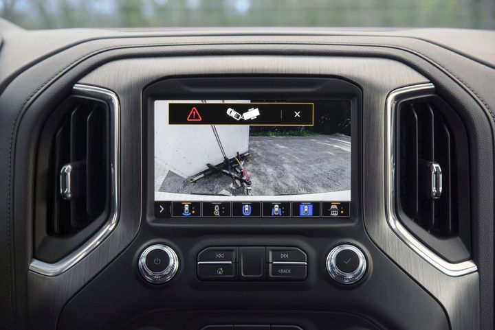 The 2021 GMC Sierra 1500 and Sierra Heavy Duty feature additional innovative trailering tech that helps drivers tow like a pro. - Photo: GMC
