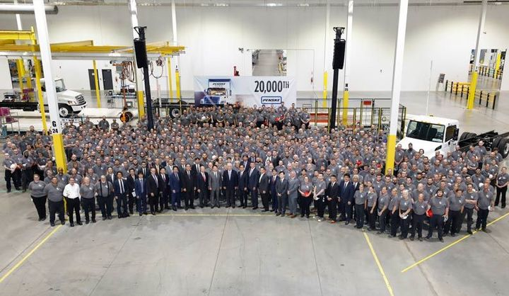 In a ceremony held to commemorate the delivery, members of Hino Trucks, the entire plant gathered to show Hino pride.