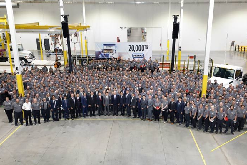 In a ceremony held to commemorate the delivery, members of Hino Trucks, the entire plant...