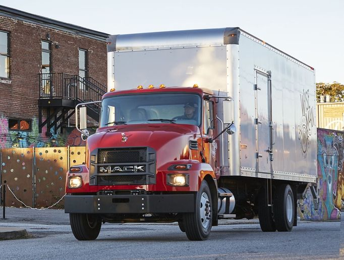 The Mack MD6, a Class 6 model, has a 25,995-pound GVWR, and the MD7 is a Class 7 model with a 33,000-pound GVWR. - Photo: Mack Trucks