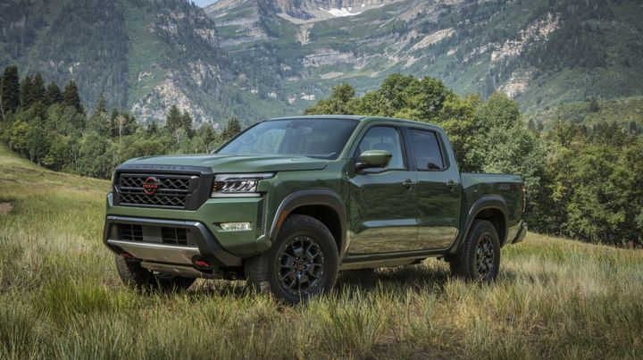 According to Nissan, the all-new 2022 Frontier builds on Nissan's six-plus decades of mid-size truck leadership with a bold new exterior. - Photo: Nissan