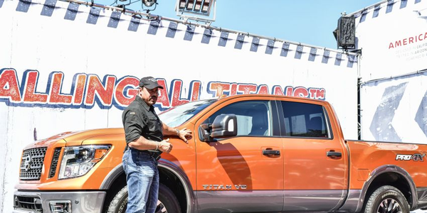 Following a rockin' performance from Fender artist Eric Johnson, the new 2019 Nissan Titan...