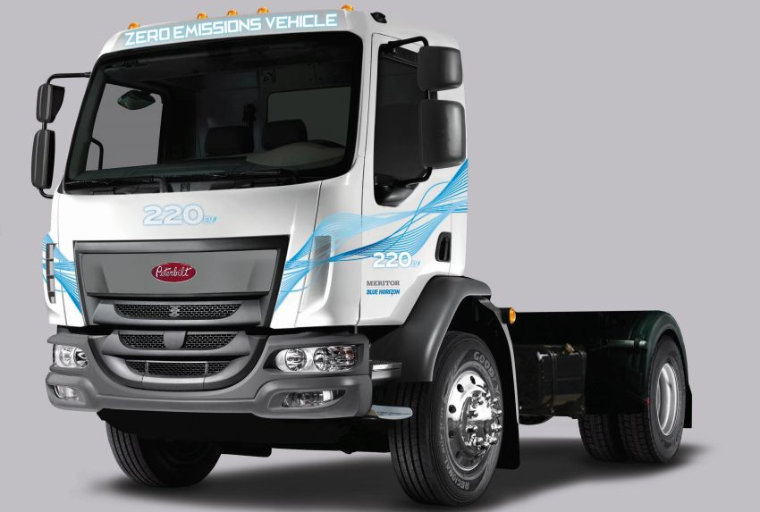 Peterbilt Shows Electric Medium-Duty Truck at CES