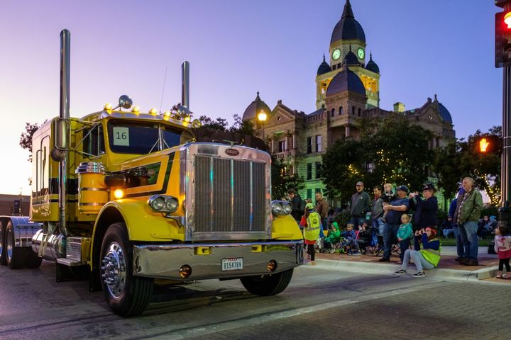 Since 2002, Peterbilt and the United Way of Denton County have partnered to raise more than $6.5 million in support of the Denton County community.