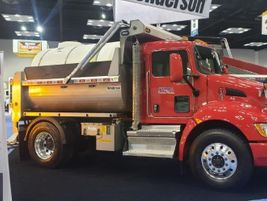 Henderson Products demonstrated its dump body applications.