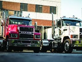 Mack Pinnacle: Ideal vocations for the Mack Pinnacle model are heavy haul, bulk haul, flatbed,...