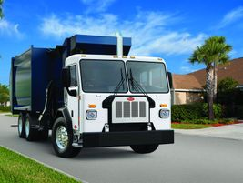 Peterbilt 520: Ideal vocations for the Peterbilt 520 include refuse (commercial and...