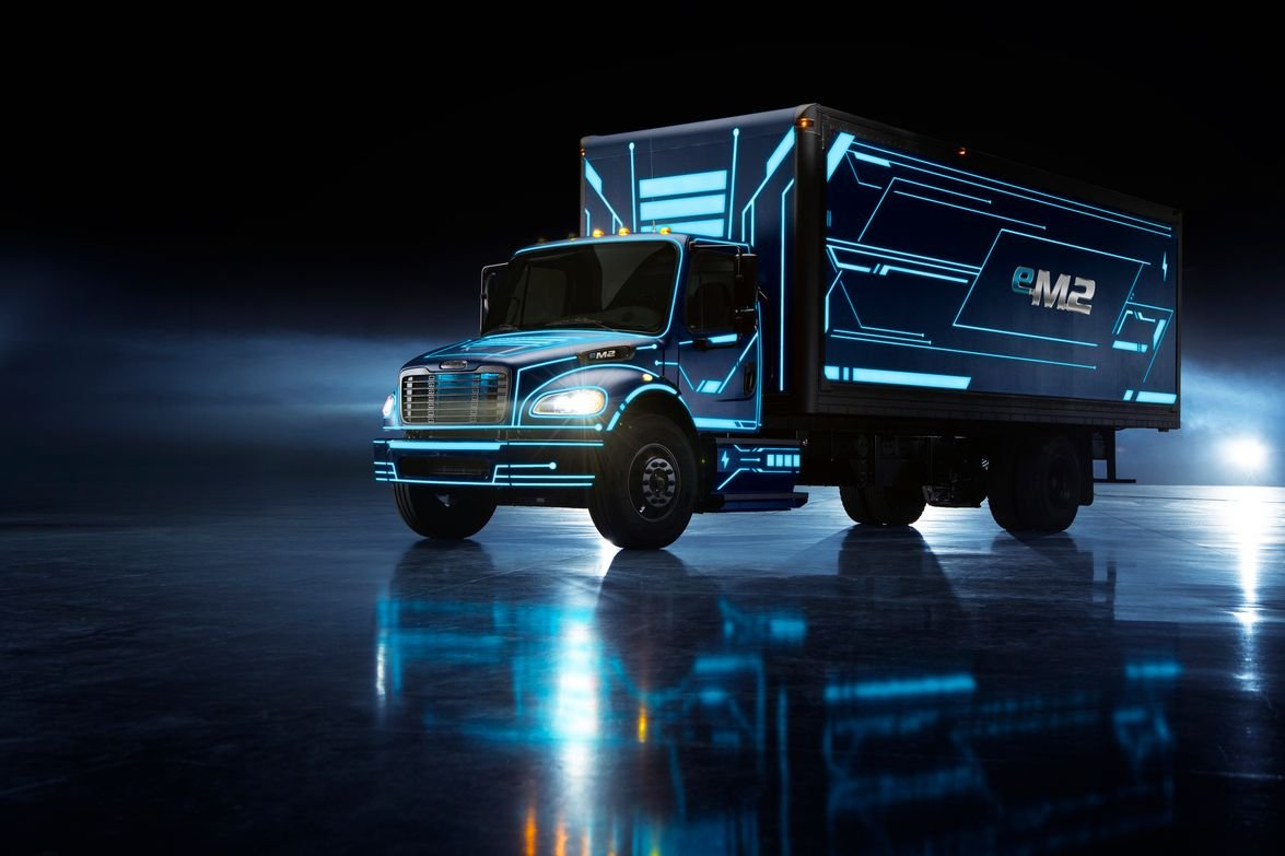 Daimler's eM2 is a Class 6/7 truck designed for local distribution, pickup and delivery, food...
