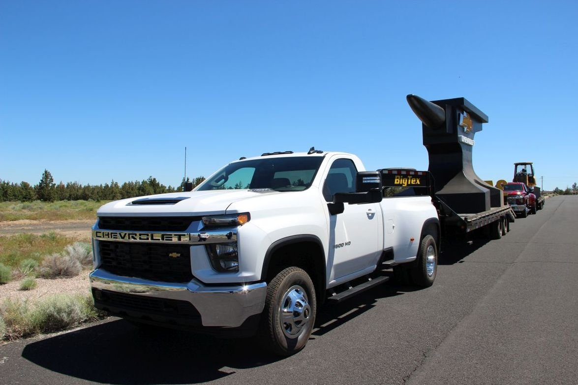 Chevrolet hooked up the Silverado 3500HD to a trailer towing 35,550 pounds.