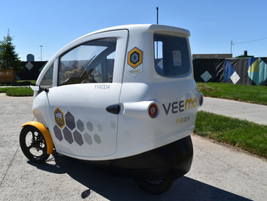 Veemo is an enclosed, electric-assist three-wheel bicycle that is also equipped with a solar...