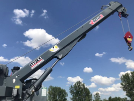 The Venturo ET12KXP crane offers precise load control of hydraulic functions including rotation,...