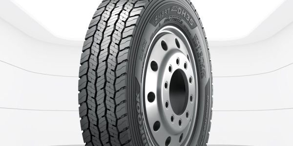 Ford Super Duty Chassis Cab equipped with Hankook's AH35 and DH35, are available in 225/70R19.5...