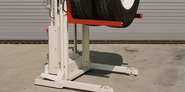 Stertil-Koni's popular WDA-500 model lift wheel dolly has a telescopic crane arm option that...