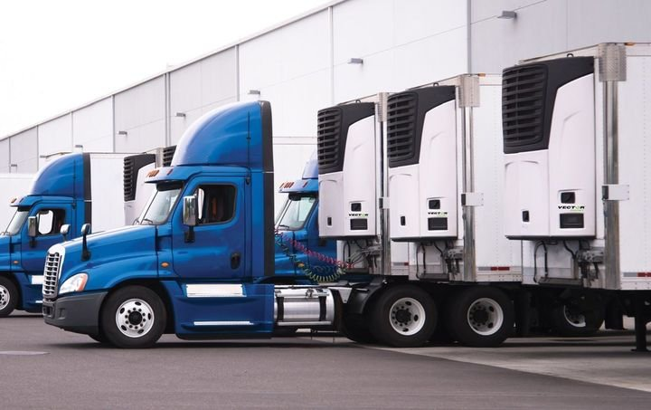 The dual-discharge aspect of Carrier Transicold's Vector 8611MT multi-temperature trailer refrigeration unit enables two independently cooled compartments. - Photo: Carrier Transicold